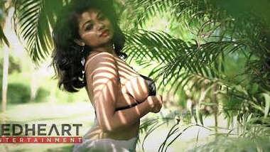 Desi cute big boobs bhabi hot photoshoots