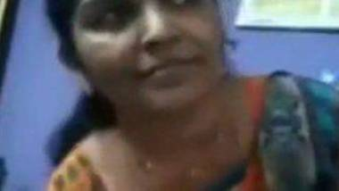 Tamil aunty stripping panty on video call