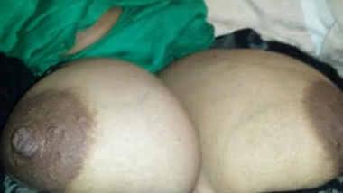desi hijabi bhabi huge boobs playedshe riding him