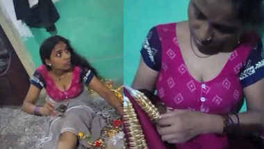 hot bhabhi homemade hot cleavage expose in bare blouse