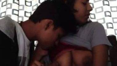 Desi college lovers foreplay sex video