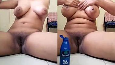 desi gf massaging boobs and fingering