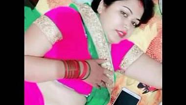 chubby housewife bhabhi manju maami hot show in bed