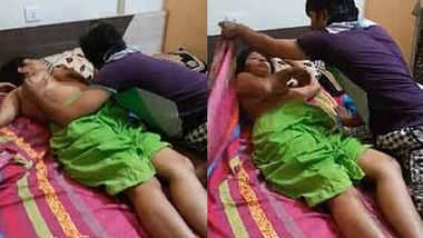 desi threesome indian randi bhabhi boob pressing and romance