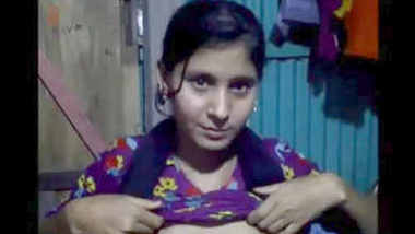 sexy young punjabi desi girl showing boobs n pussy