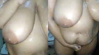 big boobs desi swinger bhabhi nude bathing hubby recording n fingering