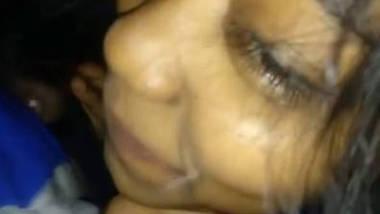desi girlfriend sucking cock