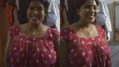 Indian Aunty Huge Curvy Boobs
