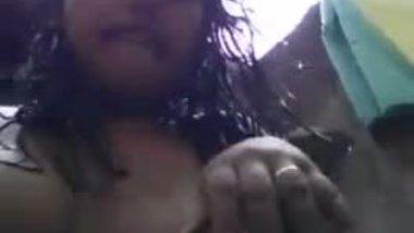 Chubby teen girl seduces her boyfriend on a video call