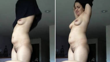 waaah very very beautiful indian Rich aunty seducing younger cousin boy