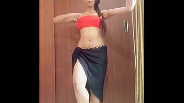 sexy thundrous thigh babe dancing