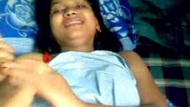 Mumbai college girl Shilpa boob show leaked