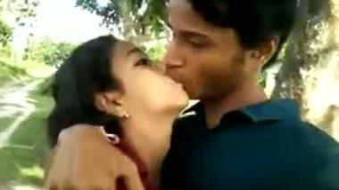 Desi teen couple enjoys a romantic outdoor session