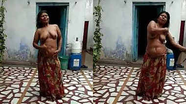 Desi randi bhabhi rain bathing in open roof two clips marge