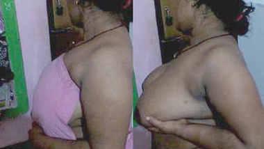 desi aunty hot boob show