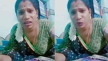 Tamil aunty in hot mood on selfie cam
