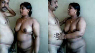 Mallu aunty kissing and Fucking with uncle