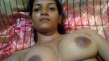 Mallu unsatsified bhbahi show boobs n pussy to BF 1