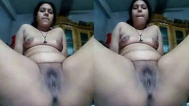 desi aunty naked show