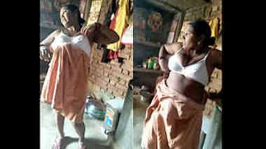 desi aunty after bath