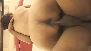 Big ass Delhi wife fucked by hubby's friend, hubby records
