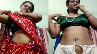 desi aunty hot show 1