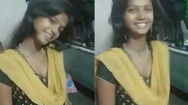Desi Girl deep neck Churidar, Kiss posture and Lil Cleavage,Unseen