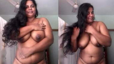 Sexy Mallu Bhabhi Showing Her Big Boobs and Pussy To Lover Part 3