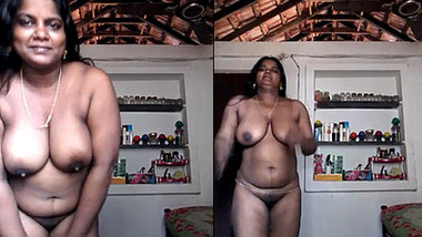 Sexy Tamil wife Showing Her Big Boobs and Pussy