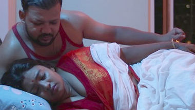 Booby bengali aunty seduced and enjoyed by her impotent husband