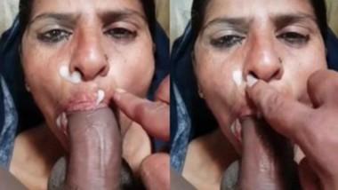 Aunty Blowjob And Facial New Clip