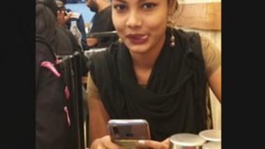 Desi Girl Chnaging Cloths (Updats)