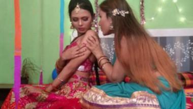 Adhoori suhagaraat behind the scenes