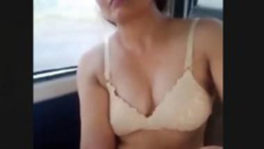 Desi bhabi fucking in car