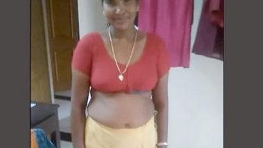 Tamil sexy aunty hoyt bod