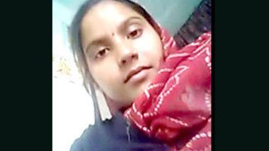 Desi village bhabi show her sexy pussy