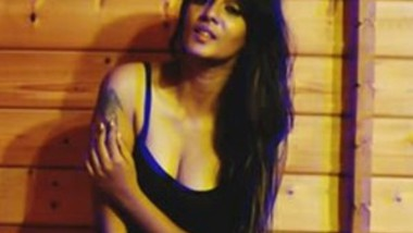 Meera Mithun Sexy Photoshoot Album