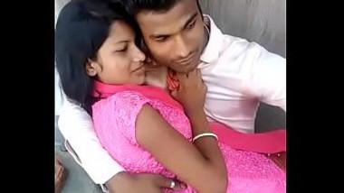 Desi lover kissing seen in open place