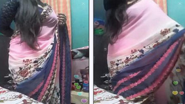 Milk Tank Bhabi..Huge Assets…dance..Desi Mast HOUSEWIFE