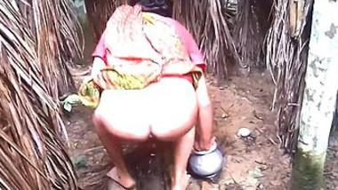 Desi aunty piss capture