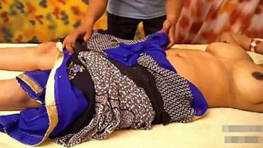 Desi Pari Bhabhi Big Boobs Massage in Parlour Full HD