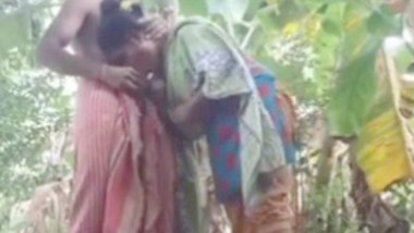 Desi Bhabi Affair With Debar Blowjob & Fucking In Banana Khet