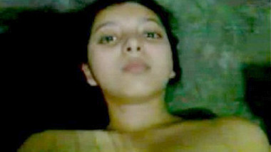 Desi girl showing her nude before bath