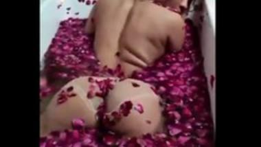Sejal Sarah Ass Show in Tub