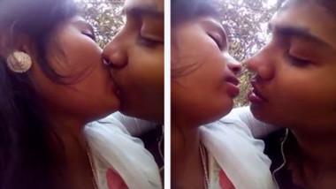 Desi Lovers Smooching Passionately