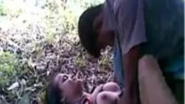 Outdoor desi sex video of college girl Champa threesome chudai