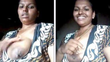 Neighbours Aunty Showing Her Huge Boobs 1
