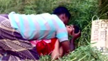 Desi Village Girl Boobs sucking