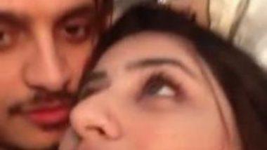 Sexy Punjabi girl friend big boobs squeezed mms