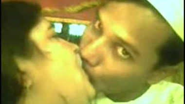 Eid Special sex mms of Muslim aunty with neighbor